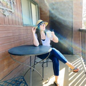 see heather smile, heather hataley, summer, patio, balcony, deck, bistro, summer hat, outside